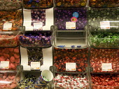 The last of the Pic n Mix sweets, Woolworths. - John Harris - 30-11-2008