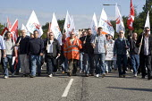 Picket at the refinery. Total sacked 900 striking contract workers at Lindsey oil refinery in Lincolnshire - John Harris - 2000s,2009,activist,activists,CAMPAIGN,campaigner,campaigners,CAMPAIGNING,CAMPAIGNS,DEMONSTRATING,DEMONSTRATION,DEMONSTRATIONS,dispute,DISPUTES,gmb,INDUSTRIAL DISPUTE,industrial relations,Lincolnshire