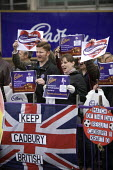 Cadbury workers protest against Kraft Foods bid, Bournville, Birmingham - John Harris - 2000s,2009,activist,activists,against,Birmingham,CAMPAIGN,campaigner,campaigners,CAMPAIGNING,CAMPAIGNS,DEMONSTRATING,demonstration,DEMONSTRATIONS,member,member members,members,people,protest,PROTESTER