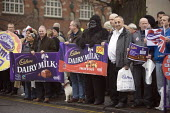 Cadbury workers protest against Kraft Foods bid, Bournville, Birmingham - John Harris - ,2000s,2009,activist,activists,against,Birmingham,CAMPAIGN,campaigner,campaigners,CAMPAIGNING,CAMPAIGNS,DEMONSTRATING,demonstration,DEMONSTRATIONS,member,member members,members,people,protest,PROTESTE