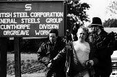 Police offciesr arrest a striking miner during a mass picket of the Orgreave coking plant during the miners' strike. - John Harris - 1980s,1984,adult,adults,arrest,arrest arresting,arrested,arresting,Battle of Orgreave,BSC,CLJ,coke works,coking plant,conflicts conflict,DISPUTE,DISPUTES,force,INDUSTRIAL DISPUTE,mass,mass picket,MATU