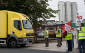 BFAWU members on strike at Hovis (Premier Foods) Wigan over the introduction of agency staff on Zero Hours contracts, redundancies and a reduction in hours from 52 to 40 per week. - John Harris - 28-08-2013