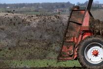 Muck spreading on a farm, Warwickshire - John Harris - 15-03-2014