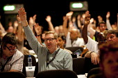 Len McCluskey Unite voting, TUC, Liverpool 2014 - John Harris - 2010s,2014,conference,conferences,democracy,Hands up,Liverpool,member,member members,members,people,trade union,trade union,trade unions,trades union,trades union,trades unions,TUC,TUC Congress,Unite,