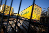 Empty City Link trailers, closed distribution centre, Coventry - John Harris - 2010s,2014,abandoned,bankrupt,bankruptcy,BECAP12 GP Limited,Better Capital,business,capitalism,capitalist,closed,closing,closure,closures,deindustrialisation,Deindustrialization,deliveries,DELIVERING,