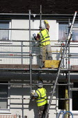 British Gas workers insulating houses to reduce enegy consumption, Evesham - John Harris - 11-06-2015