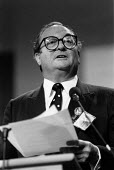 Clive Jenkins ASTMS speaking, TUC Conference 1988 - John Harris - 08-09-1988