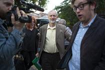 Jeremy Corbyn Rally Nottingham speaking to the media - John Harris - 20-08-2015