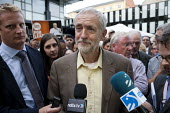 Jeremy Corbyn Rally Nottingham speaking to the media - John Harris - 20-08-2015