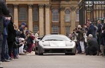 Salon Prive Supercar Show Blenheim Palace Oxfordshire Lamborghini Diablo GT owned by Tim Richards - John Harris - wealth,2010s,2015,AFFLUENCE,AFFLUENT,AUTO,AUTOMOBILE,AUTOMOBILES,AUTOMOTIVE,Bourgeoisie,car,cars,elite,elitism,EQUALITY,high,high income,income,INCOMES,INEQUALITY,Lamborghini,leisure,lfL,LIFE,lifestyl