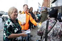 Denise McGuire, Prospect leafleting TUC conference Brighton - John Harris - 14-09-2015