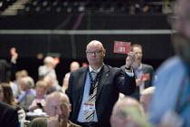 Steve Gillan POA Gen Sec Card vote TUC conference Brighton - John Harris - 15-09-2015