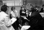 School teachers in a discussion group - John Harris - ,1980s,1989,communicating,communication,conversation,conversations,Curriculum,dialogue,discourse,DISCUSS,discusses,Discussing,Discussion,EDU education,female,job,jobs,LAB LBR work,people,person,person