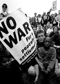 Demonstration against war in the Gulf London - John Harris - 15-09-1990