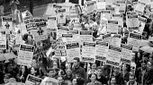 Students protest against cuts in grants, London 1994 - John Harris - 09-11-1994