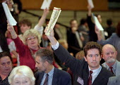 Delegates trying to get to speak during a debate Labour Party Conference 1995 - John Harris - 01-10-1995