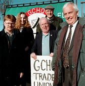 Mike Grindley and John Sheldon PTC at GCHQ trade unions vigil for the restoration the right to organize trades unions at GCHQ Cheltenham - John Harris - 22-11-1996