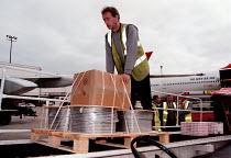 Baggage handler at Gatwick airport - John Harris - 07-09-1997
