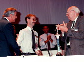 Garath GCHQ accepting badge of congress at TUC 1997 Brighton - John Harris - 10-09-1997