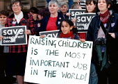 Single parents and children lobby Parliament against cuts in lone parent benefit contained in the Social Security Bill, London - John Harris - 10-12-1997