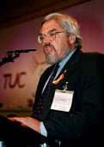 Paul Mackney NATFHE speaking at the Trades Union Congress - John Harris - 15-09-1998