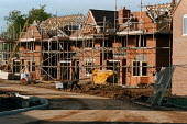 Building new houses village in Warwickshire countryside - John Harris - 15-10-1998