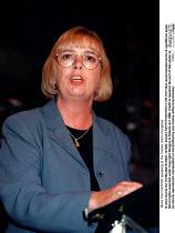 Moira Carr NATFHE speaking at the Trades Union Congress - John Harris - 15-09-1998