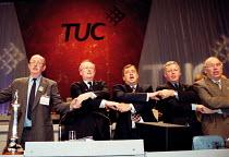 John Edmonds GMB Lord Hector MacKenzie Unison Brendan Barber TUC John Monks TUC Lord David Lee TUC singing Auld lang syne at the close of TUC Conference 1999 - John Harris - 17-09-1999