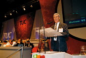 Alex Andley IPMS speaking at TUC Conference 1999 - John Harris - 1990s,1999,Conference,conferences,member,member members,members,people,SPEAKER,SPEAKERS,speaking,SPEECH,Trade Union,Trade Union,Trade Unions,Trades Union,Trades Union,Trades unions,TUC,TUC Congress,TU
