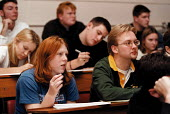 Students listening to a lecture Biology and Chemistry Dept. Oxford Brookes University - John Harris - 18-11-1999