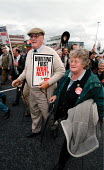 Countryside Alliance protest against the proposed banning of fox hunting. Labour Party Conference 1999 - John Harris - 1990s,1999,activist,activists,against,CAMPAIGN,campaigner,campaigners,CAMPAIGNING,CAMPAIGNS,class,Conference,conferences,country,Countryside,DEMONSTRATING,Demonstration,DEMONSTRATIONS,ENI environmenta