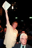 Unison delegate and Rodney Bickerstaffe during debate at the Labour Party Conference 1999 - John Harris - 28-09-1999