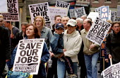 Tyneside workers and their families march to save 150 jobs at Spartan Redheugh steel rolling mill Gateshead, Newcastle, 2000. GMB and AEEU members demand New Labour find investment or renationalise to... - Jess Hurd - 2000,2000s,activist,activists,against,CAMPAIGN,campaigner,campaigners,CAMPAIGNING,CAMPAIGNS,child,CHILDHOOD,CHILDREN,close,CLOSED,closing,closure,closures,DEMONSTRATING,demonstration,DEMONSTRATIONS,fa