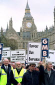 Tyneside workers from Newcastle march on Westminster to demand the government support the shipyards. GMB and AEEU members demand New Labour find investment or renationalise to limit redundancies. - Jess Hurd - 12-04-2000