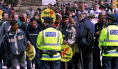 Hundreds of anti racists rally at Oldham Civic Centre to stop the NF march. - Jess Hurd - 10-06-2001