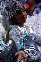 Elaborate costumes celebrate Notting Hill Carnival London - Jess Hurd - 27-08-2001