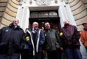 RMT strikers from York Railway Station picket line lobby Arriva HQ. Bob Crow (left). Dispute over low pay involving Arriva Northern train conductors. - Jess Hurd - ,2000s,2002,Dispute,disputes,INDUSTRIAL DISPUTE,lobby,member,member members,members,network,people,picket,PICKETING,PICKETS,RAIL,rail strike,Railway,RAILWAYS,RMT,Station,STATIONS,strike,STRIKERS,strik