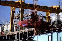Technical Cranes LTD with scaffolding. Building works on Waterloo Railway Station. - Jess Hurd - 28-01-2002