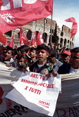 Refugee groups join the three million strong CGIL rally against Silvio Berlusconi and his plans for Labour market reforms, which will make it easier for employers to sack people. Protest also against... - Jess Hurd - 23-03-2002