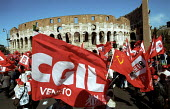 Three million march past The Colosseum. CGIL protest against Silvio Berlusconi and his plans for Labour market reforms, which will make it easier for employers to sack people. Protest also against ter... - Jess Hurd - 23-03-2002