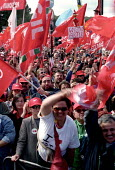 Three million attend CGIL rally against Silvio Berlusconi and his plans for Labour market reforms, which will make it easier for employers to sack people. Protest also against terrorist killing of neo... - Jess Hurd - 23-03-2002