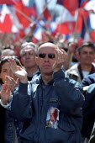 Jean-Marie Le Pen Presidential rally, Paris. - Jess Hurd - 2000s,2002,activist,activists,bigotry,CAMPAIGN,campaigner,campaigners,CAMPAIGNING,CAMPAIGNS,DEMOCRACY,DEMONSTRATING,demonstration,DEMONSTRATIONS,DISCRIMINATION,Election,elections,equal,equality,eu,Eur