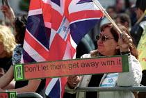 Anti Zionist Torah Rabbis join Palestinian protest against pro Israel rally, Trafalgar Square. - Jess Hurd - 06-05-2002