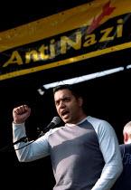 Shahid Malik addresses Love Music Hate Racism Anti Nazi League carnival in Manchester. - Jess Hurd - 2000s,2002,ACE entertainment,activist,activists,anl,Anti Racism,BAME,BAMEs,bigotry,Black,BME,bmes,CAMPAIGN,campaigner,campaigners,CAMPAIGNING,CAMPAIGNS,DEMONSTRATING,demonstration,DEMONSTRATIONS,DISCR