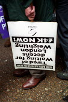 Strike over London Weighting, London. - Jess Hurd - 14-11-2002
