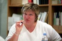 Dee Brown steward Amicus MSF, Joint Shop Steward meeting, Selly Oak Hospital, West Midlands. - Jess Hurd - 07-08-2002