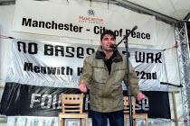 Kurdish asylum seeker from Iraq addresses Anti war protest, Albert Square, Manchester. - Jess Hurd - 2000s,2003,activist,activists,and,anti war,Antiwar,asian,CAMPAIGN,campaigner,campaigners,CAMPAIGNING,CAMPAIGNS,DEMONSTRATING,DEMONSTRATION,DEMONSTRATIONS,FEMALE,Iraq,ISLAM,ISLAMIC,Kurdish,kurds,male,m