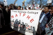 Tower Hamlets college NATFHE lecturers join students in strike action against War with Iraq, Tower Hamlets, East London. - Jess Hurd - 20-03-2003