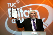 Paul Mackney NATFE proudly holds a certificate awarded to him from the Beard Liberation Front. TUC Congress 2003. - Jess Hurd - 2000s,2003,member,member members,members,trade union,trade union,trade unions,trades union,trades union,trades unions,TUC,TUCs,UK