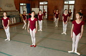 Ballet lesson. Childrens Palace China Institute Welfare. A private school dedicated to the Arts and Science. Shanghai, China. - Jess Hurd - 20-10-2003